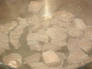 варим мяснйо бульон для супа с перловой крупой