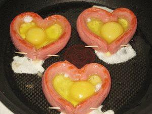 http://vkusno-i-prosto.ru/images/hot%20dishes/egg%20dishes/zalit%20v%20serdca%20jajca.jpg