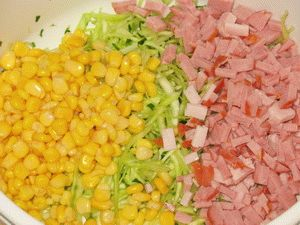 Ингредиенты для салата с кукурузой