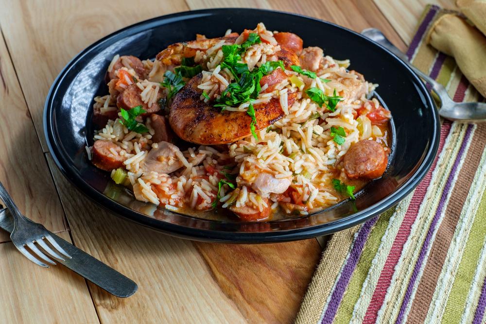 рис с колбасой