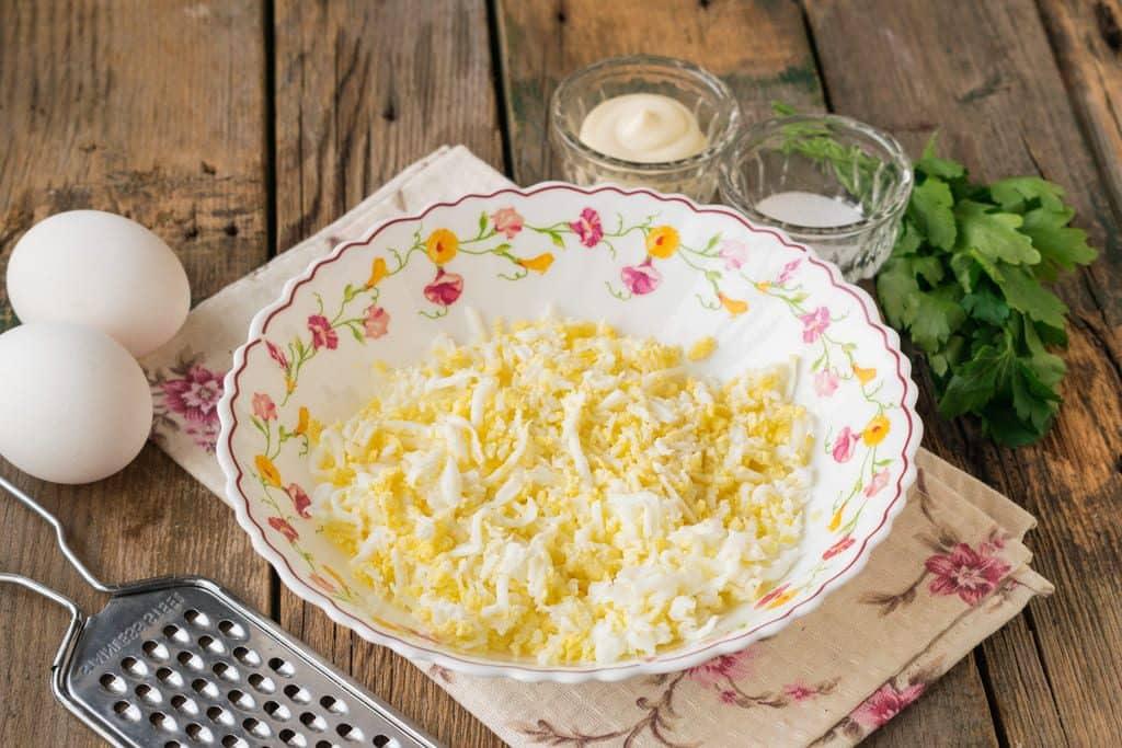 тертые яйца для салата