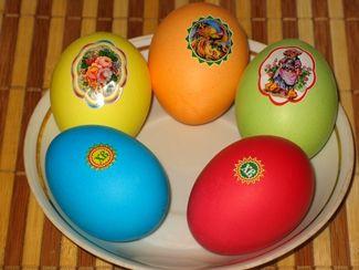 Яйца крашеные пищевыми красителями