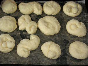булочки с сахаром поднялись