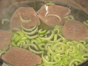 варка супа с сельдереем