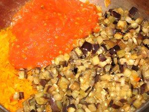 помидоры с овощами для баклажанной икры