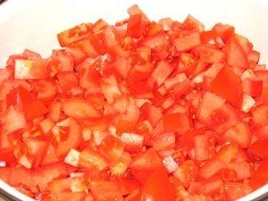 нарезанные помидоры для кетчупа