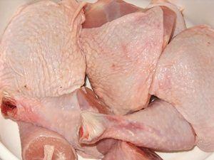 кусочки куриных окорочков