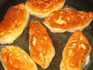 жарка пирожков с картошкой и грибами со второй стороны
