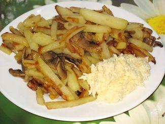 жареные грибы с картошкой и луком рецепт с фото