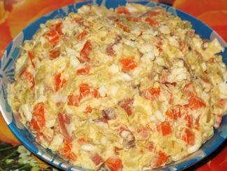 Салат с копчёной горбушей