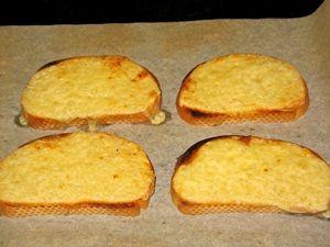 запеченные бутерброды с маслом и сыром