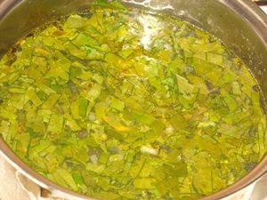 суп заправлен щавелем