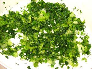 зелень для салата из помидоров