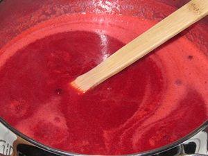 Пастеризация брусничного сока с сахаром