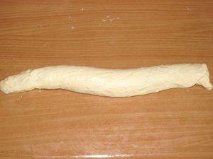 колбаска из теста с корицей