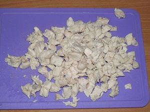 нарезать куриную грудку для лазаньи
