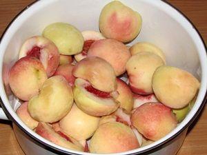 половинки персиков без косточек