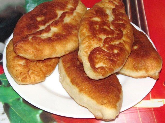 Рецепт приготовления жареных пирожков с луком и яйцом цыпленок табака рецепт приготовления на сковороде с