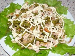 паутинка из майонеза на салате