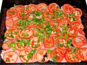 помидоры с петрушкой на курятине