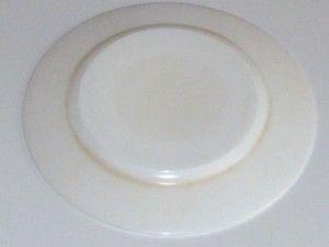 дно тарелки до мойки