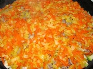 слой лука и моркови