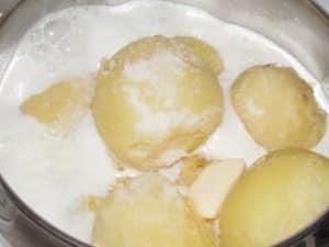 картошка с молоком и маслом