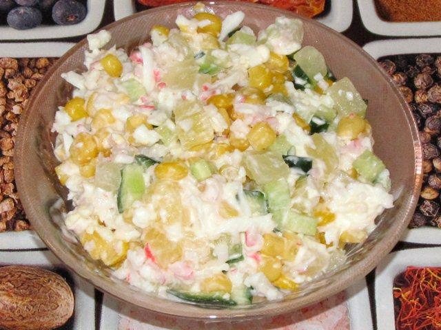 Салат крабовый с ананасами с фото