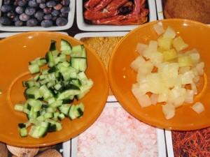огурец и ананас
