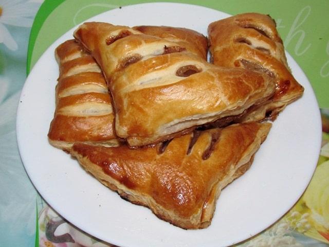 Слоёные пирожки с яблоками