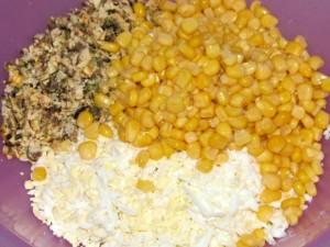 мидии с яйцом и кукурузой