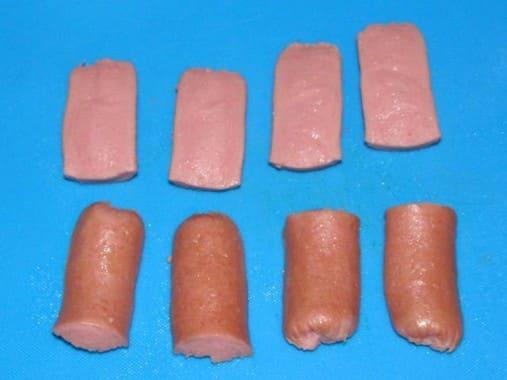 Разрезанная сосиска