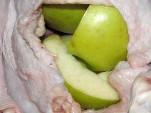 яблоки в индейке