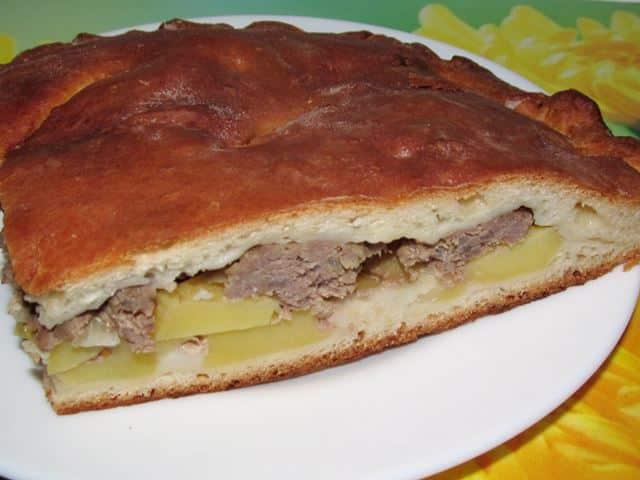 Мясной пирог из мяса и картошки