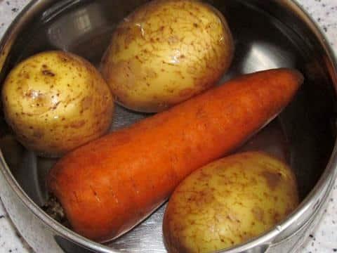 Овощи для классического салата мимоза фото 01