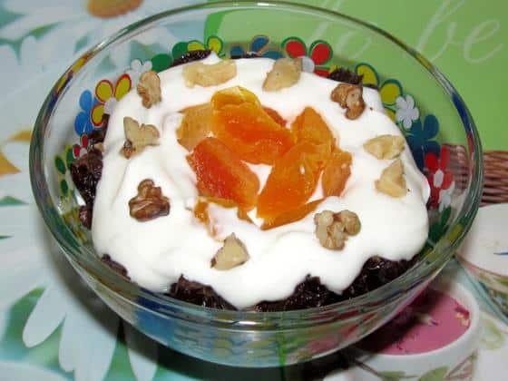 Сметана с черносливом, орехами и курагой фото рецепт приготовления