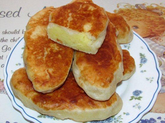 рецепт обыкновенных жареных пирожков с картошкой