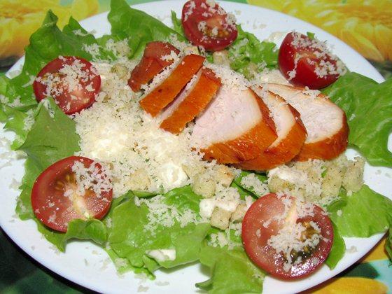 Салат Цезарь с помидорами черри фото рецепт приготовления