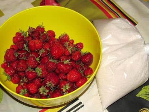 ингредиенты для клубники перетёртой с сахаром фото