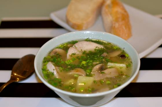 суп куриный с грибами и картошкой