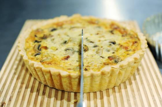 Французский пирог из слоеного теста