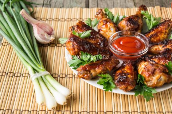 куриные крылышки в медово соевом соусе на сковороде