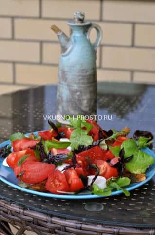 салат из моцареллы с помидорами рецепт соуса