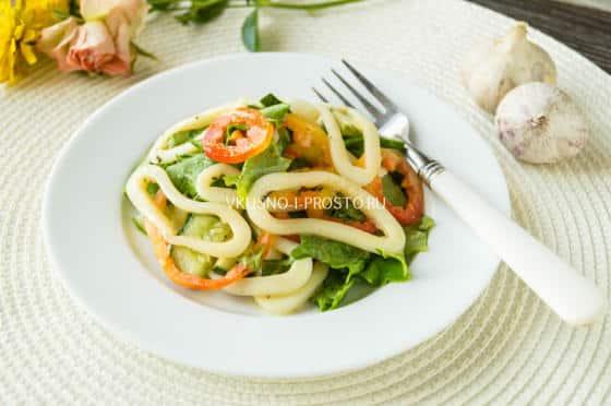 Салат из кальмаров фото со свежим огурцом