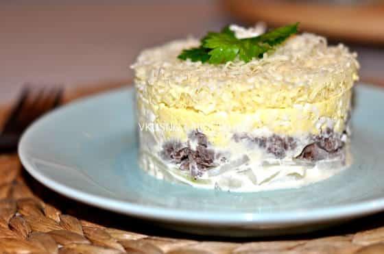 салат мужские грезы рецепт с консервой