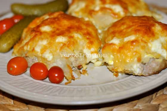 рецепт тертой картошки с сыром, колбасой и яйцом