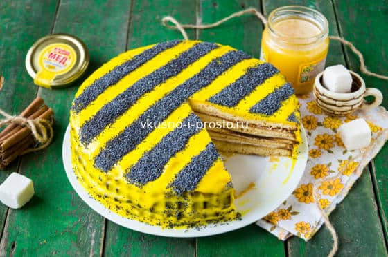 готовый торт пчелка