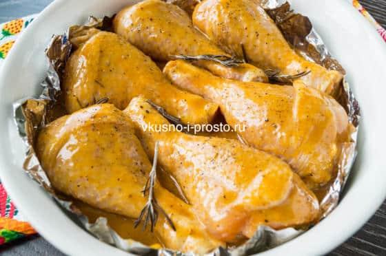 перекладываем курицу в форму