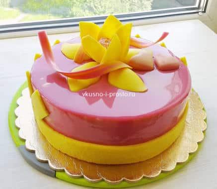 Зеркальная глазурь на муссовом торте