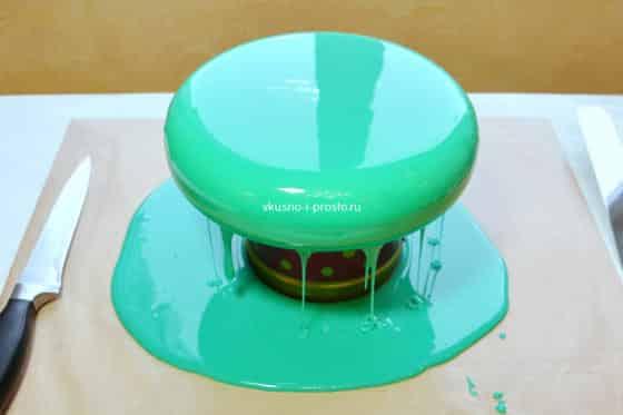 Как покрывать торт зеркальной глазурью